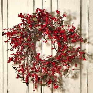 FRESH WINTERBERRY WREATH FROM MAINE